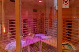 Finnish sauna chromotherapy
